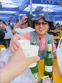 얼음 맥주, 종이컵에 채워진 성수