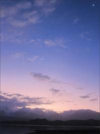 카라쿠리 호수의 새벽