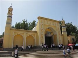 카스 최대의 이슬람사원, 청진사