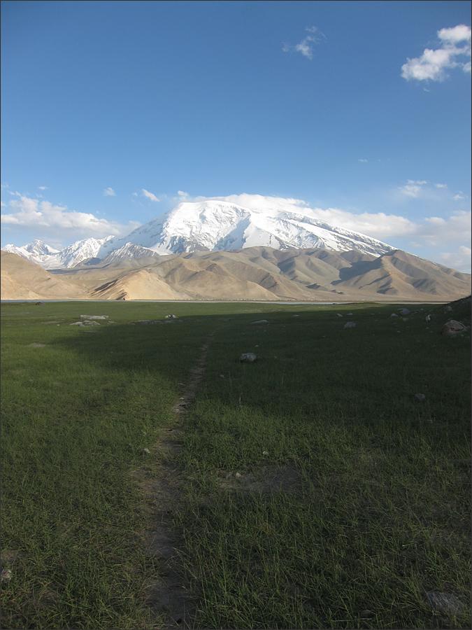 무스타커봉(7,546m)