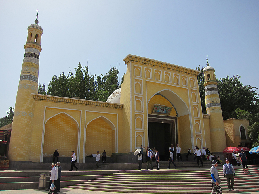 카스 최대의 이슬람 사원, 청진사