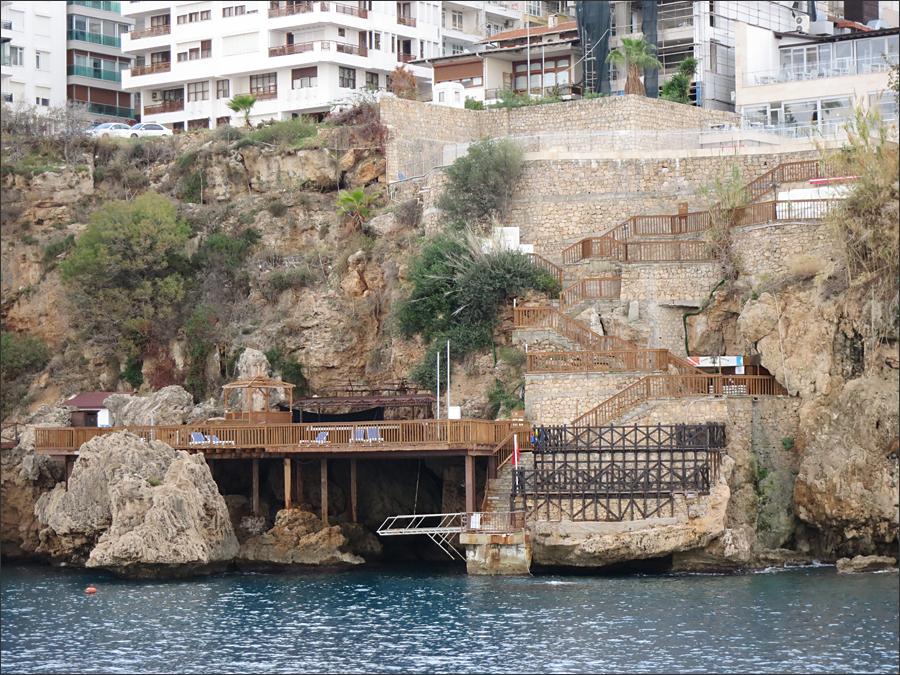 해안가 호텔에서 바로 연결되는 바닷가